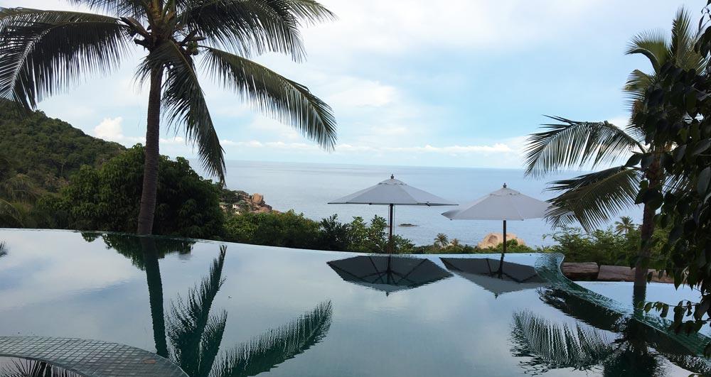 The pool overlooking the sea at tanote villa koh tao resort